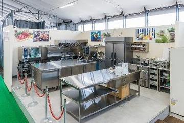 最新の厨房機器を体験できるライブキッチン